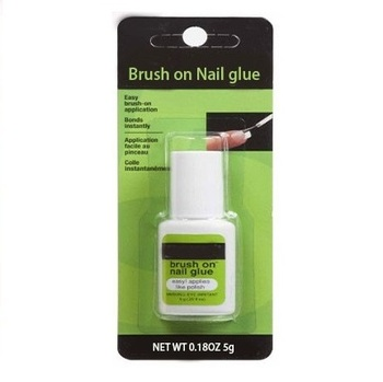 Instantly bonds Nail Glue