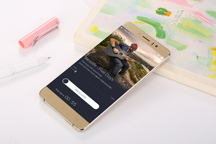 <strong>Hot</strong>! 5.5 inch screen P3 dual sim card battery 4C 2100mAh high sound volume mobile phones