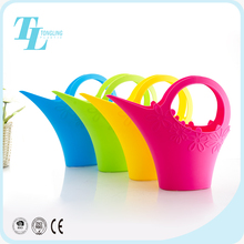 High quality parts self watering flower pot plastic 2.2L cheap watering cans