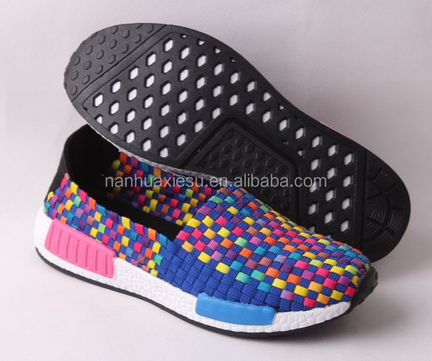 Lady handmade weave shoes