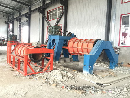 Roller Hanging Type Concrete Pipe Making Machine for Producing RCC Hume Spun Pipes