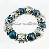 Dark blue pearl and cameo ball bracelet