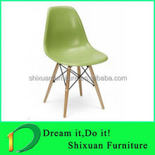 2012 newly developed plastic acrylic chair