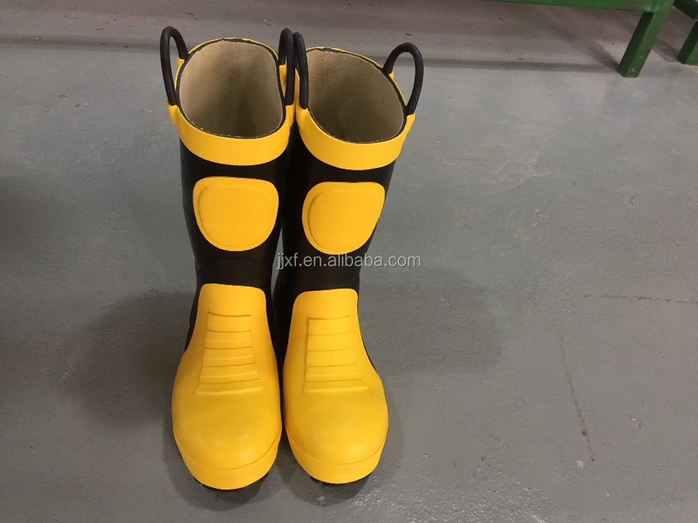 EN15090 firefighter boots and shoes