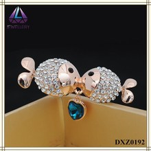 The Latest Fashion Gold Plating Full Rhinestone Two Fishes Kissing Brooch With Blue Crystal Pin For Girls