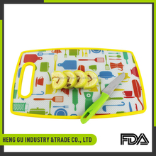 Eco-friendly non-slip durable plastic chopping pizza cutting board