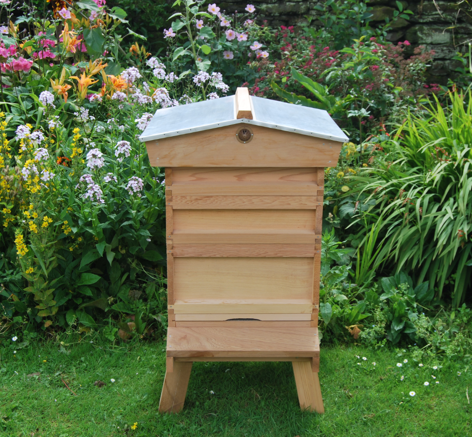 UK Beehive association recommends cedar British kit 2017 national bee hive with gabled roof