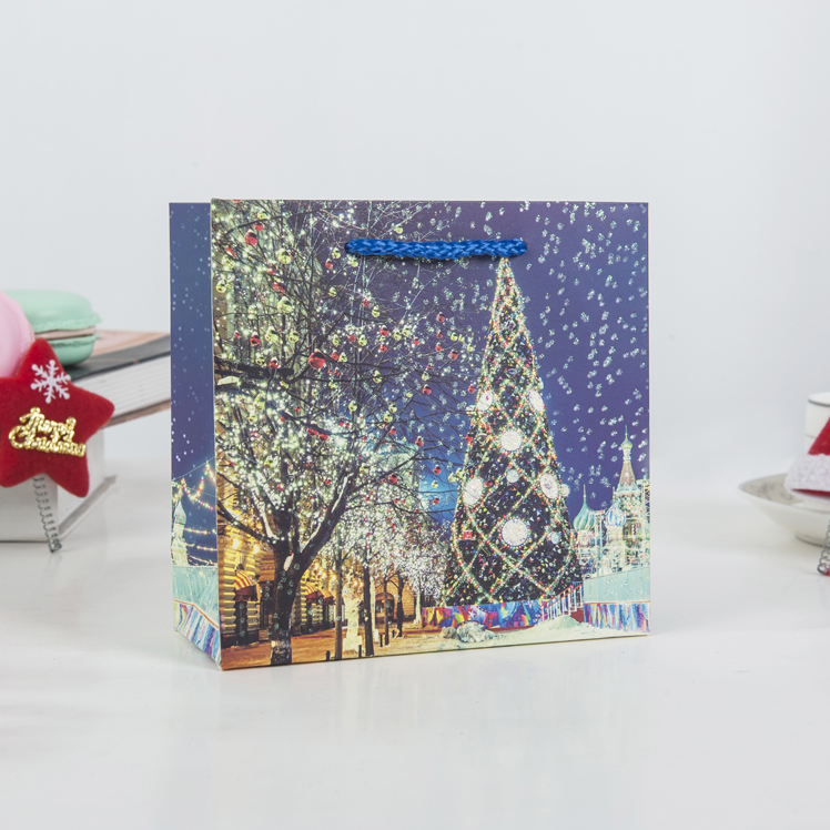Hot selling different colors christmas tree style paper gift bag