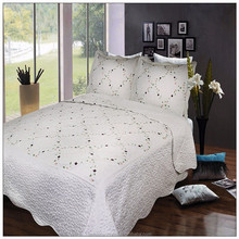 Hand embroidery bed cover/white lace bed sheet