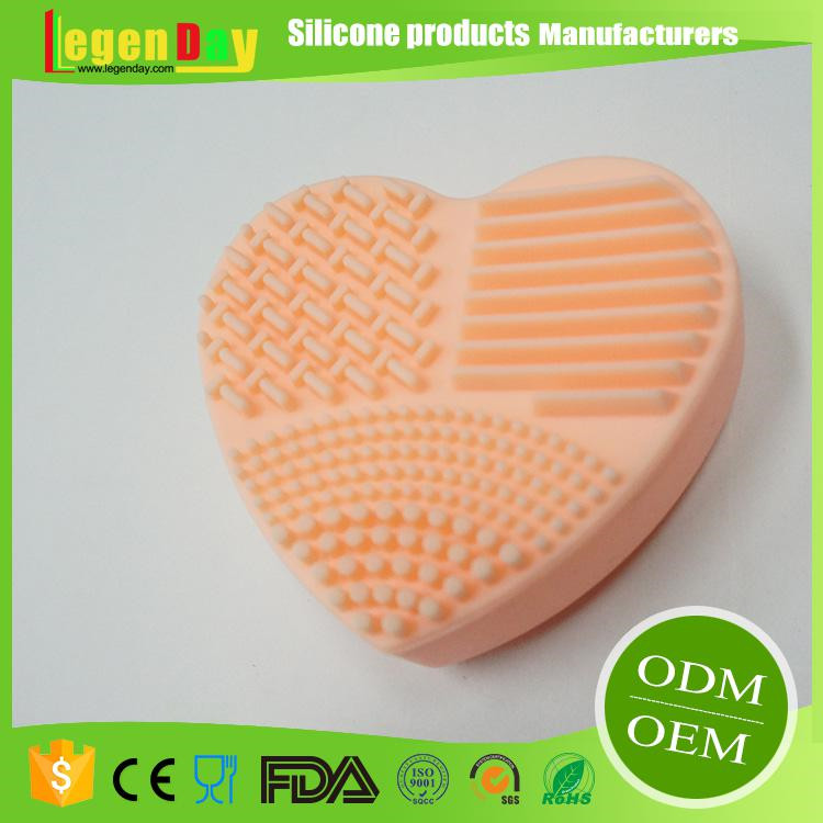 Reusable Silicone Makeup Brush Cleaner Heart Design Brush Cleaning