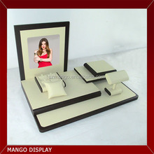 Direct Factory New Design Leatherette Jewellery Counter Display