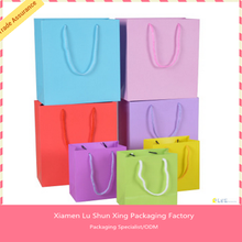 Free design Free Sample Cheap price Fast shipping colored gift paper bag with match handle