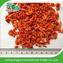 Chinese Good Quality Air Dried Organic Fresh Dehydrated Carrots Flakes