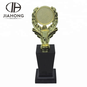 Custom made new design statue and sublimation trophy stand