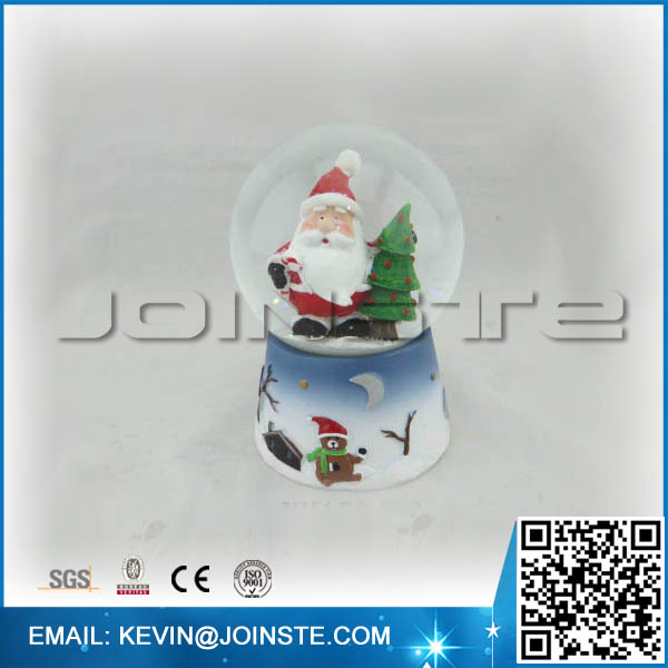 Electric christmas snow globes