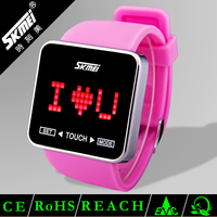 new design hot sale custom made promotional sport digital silicone watch