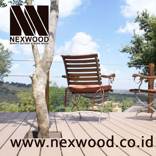 Anti Stain Wood Plastic Composite Decking