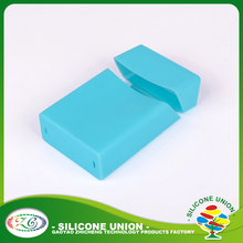 Accepted oem custom logo or blank silicone cigarette pack cover/silicone cigarette case