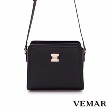 Made In Taiwan Black Women Chain Cross Handbags