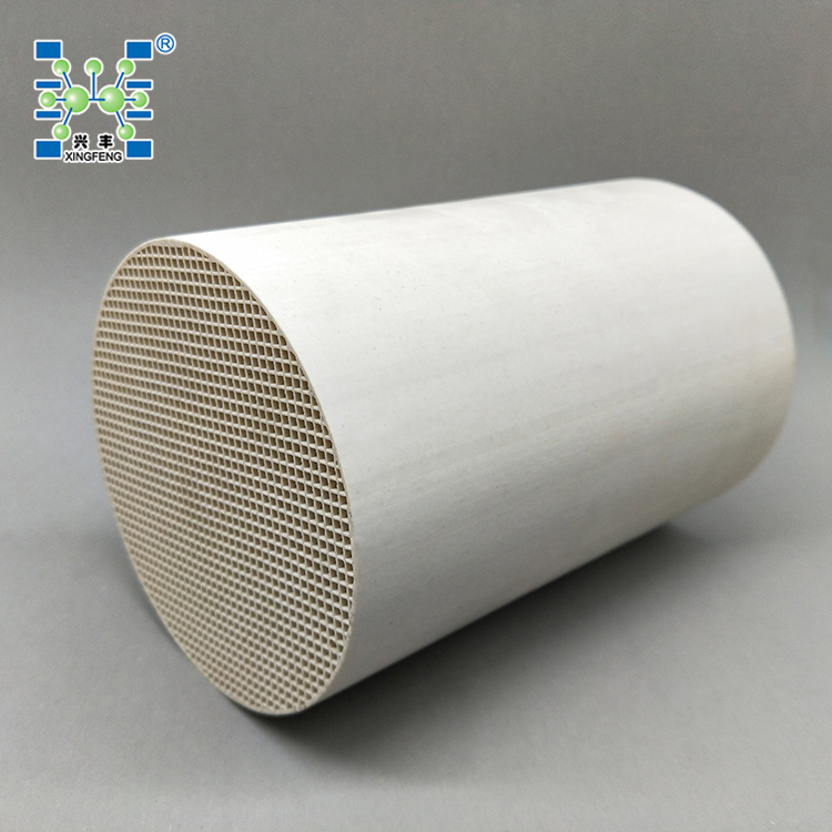 Honeycomb <strong>ceramic</strong> catalyst carrier Diameter: 120mm, Length: 180mm