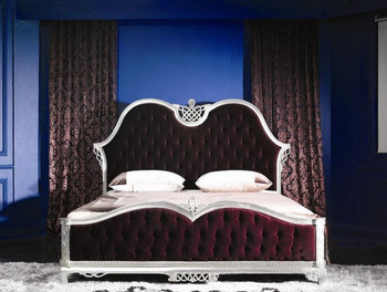 Luxury European style 1.8M wooden hand carved bed