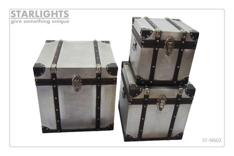 Wooden Trunk Set with aluminum Surface Printed Landmarks for Home Storage