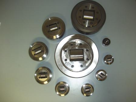 COMBINED BEARING WITH CONTRAST STUD