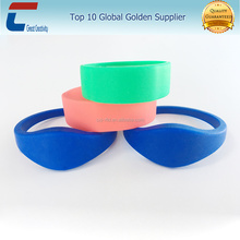Promotional Fashion NFC Free Sample Silicone Wristbands For Men