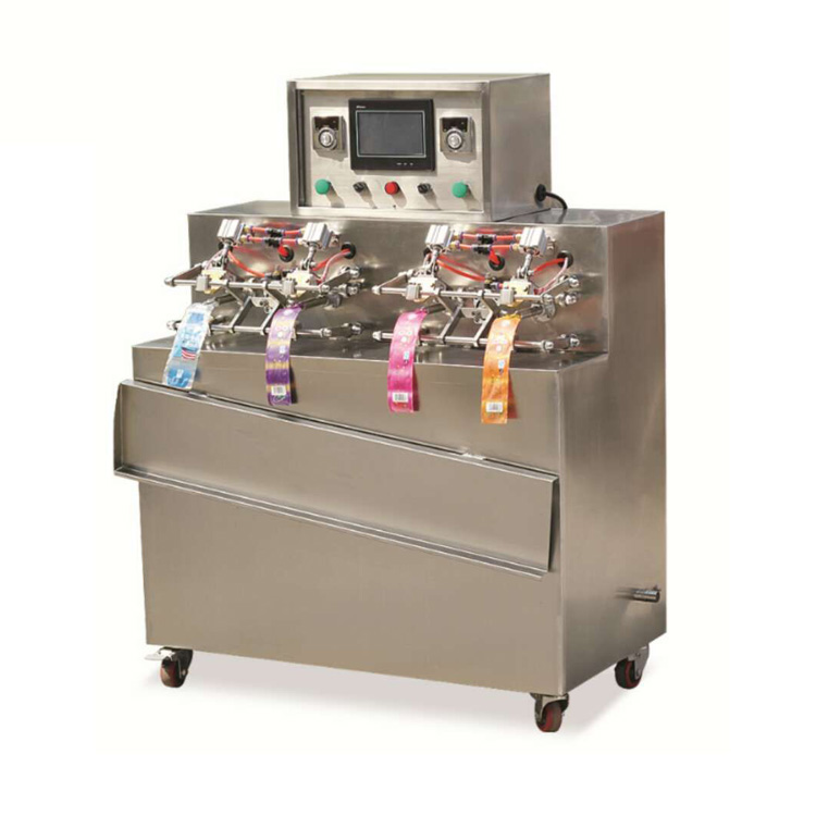 China 4 Heads Thermoforming Bag Sealing Machine Sachet Water Filling Machine For Juice