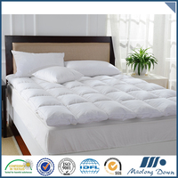 Special hot selling quilted duck feather mattress topper