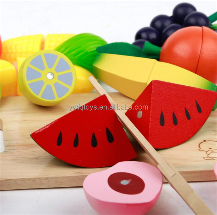Top Hot Sale Newly Design kids cut fruits and vegetable small wooden toys for children