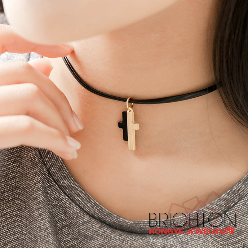 Cross Pendant Leather Choker Necklace NA-1495-0220