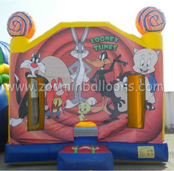 Hot inflatable sports game inflatable jumping castle Looney Tunes for sale Z1182