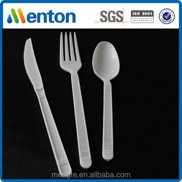 white disposable pp airline cutlery