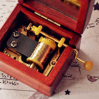 Hot New Products For 2015/Wind Up Wooden Music Box