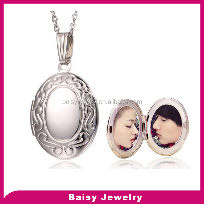 custom design latest fashion stainless steel engraved photo picture frame pendant