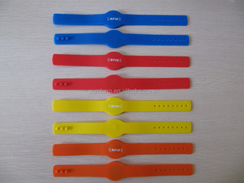 Environmentally friendly Adjustable RFID silicon wristbands UHF chip, logo can be customized