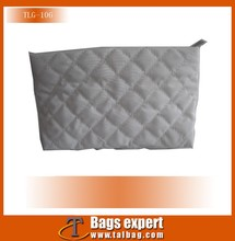 2016 New arrival Popular White micro fiber quilted cosmetic bags for Lady