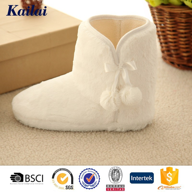 The pure white PV plush snow boot for women
