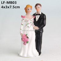 Mini groom and bride statue wedding decoration