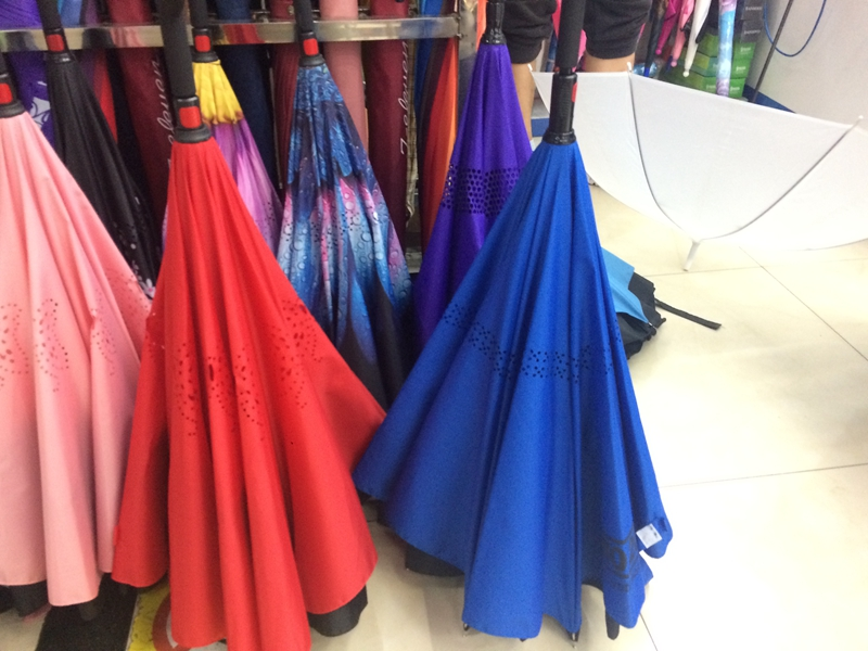 High Quality inverted Umbrella Type 190T Pongee Fabric Frame New Design 60cm*8k umbrella with flashlight
