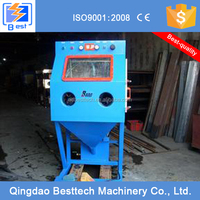 Sand blasting machine with sandblasting gun