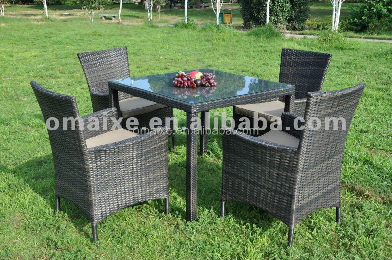 seatings rattan furniture 4 chairs with 1 full weaving table