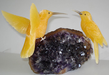 Hand Carved Gemstones Birds Sculptures In Semi Precious Stones