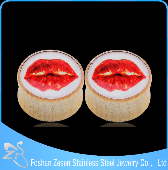 Wholesale wooden eye ear plugs piercing sexy red lips shaped fashion stylish ear plug