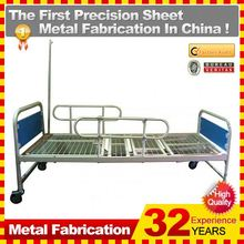 2014 Professional OEM 2 cranks manual hospital bed with Good Quality ISO9001:2008