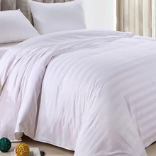 new design soft beautiful hotel heated quilt