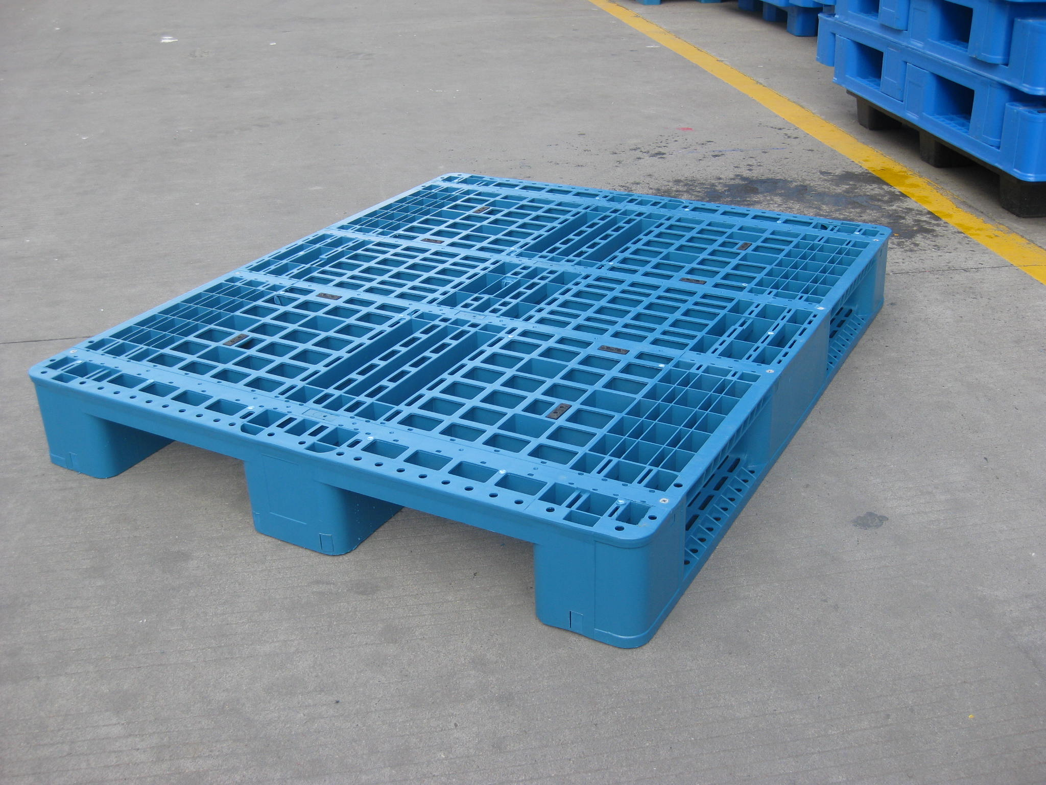 Professional large plastic pallet box bin for fruit and vegetables With Long-term Service