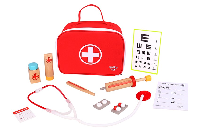 Safe wooden material doctor toys hospital play set for kids