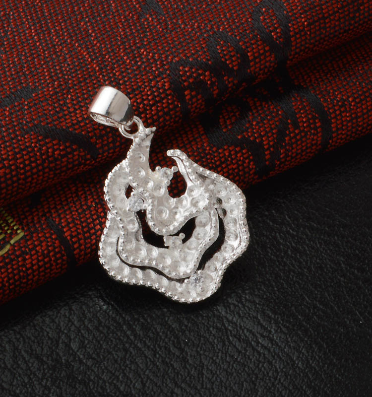 Wholesale Christmas Gift Flame Shaped Copper Pendant